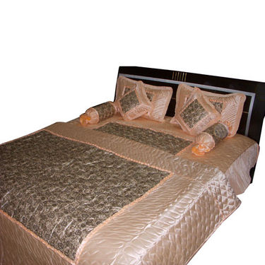 8 Pcs Wedding Set of Double Bedsheet, AC Quilt, Cushions, Pillow and Bolster Covers- bdd-5