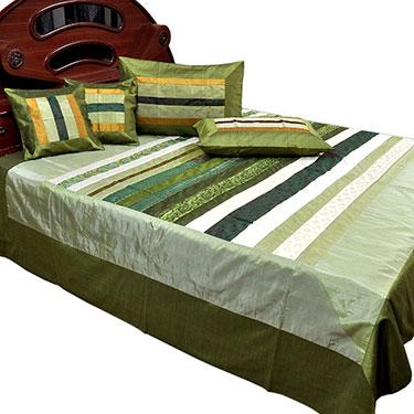 Little India Double Bedcover with 2 Cushion Covers & 2 Pillow Covers - Green- DLI3SLK355