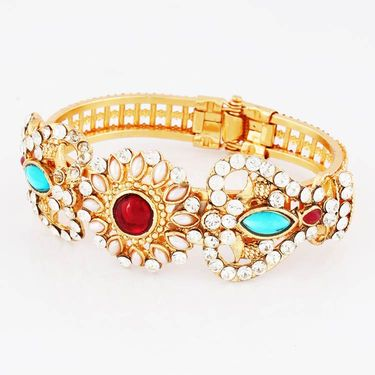 Variation Pearl Ethnic Gold Plated Openable Bangle_Vd14612